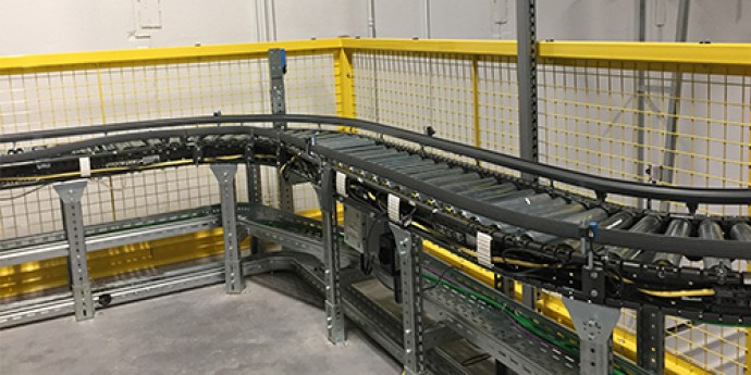Движущиеся части конвейеров должны быть ограждены транспортер укладочный